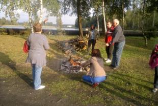 Integracyjne spotkanie przy ognisku